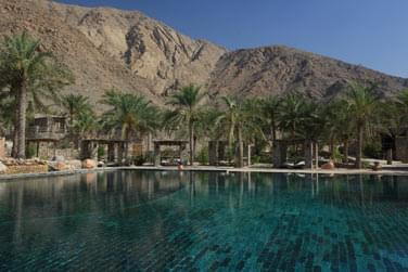 Au coeur de l'hôtel, la piscine principale